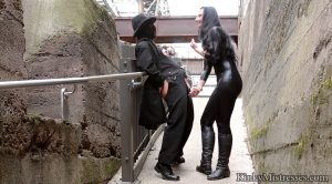 CBT and Nipple Play in Public – Kinky Mistresses