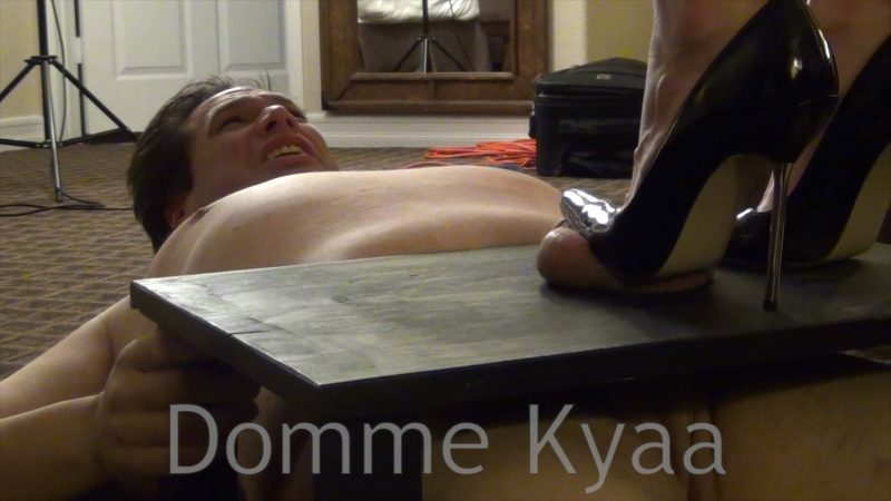 Cam slave weight on nipples peso en los pezones - 3 part 4