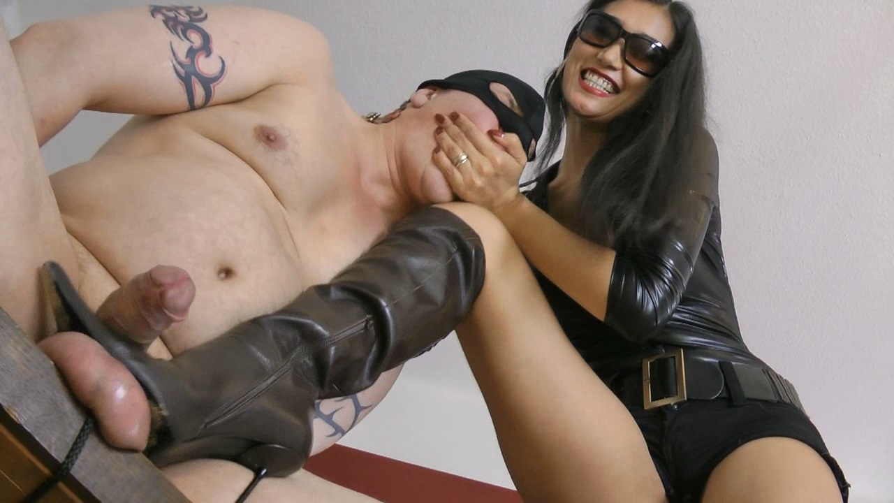 Sexy princess foot worship ignore and verbal teasing 6