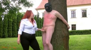Nothing more than a scratching post – Lady Yna – House of Sinn