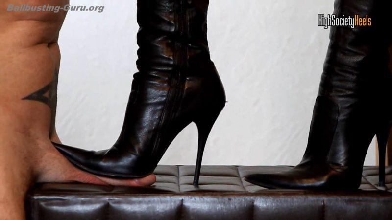 Trampling shoejob in designer high heels amp 55cm corset