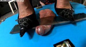 Genitals under hard pressure 3 cam1 FULL HD POV – Dianas-fetish-lounge