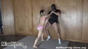 My First Mixed Fighting Clip – Miss XI – Girls Next Door: TEAM BALLBUSTER