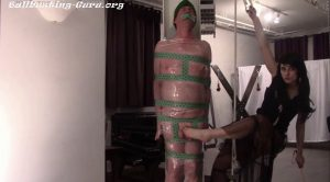 "Elf ""Pole"" Gets a Barefoot Dick Kicking – Villa Aspasia"
