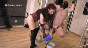 Mistress Lady Renee – Ball stretching Queen