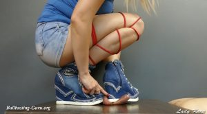 Lady Kara – Jeans Sneakers crushing little dick