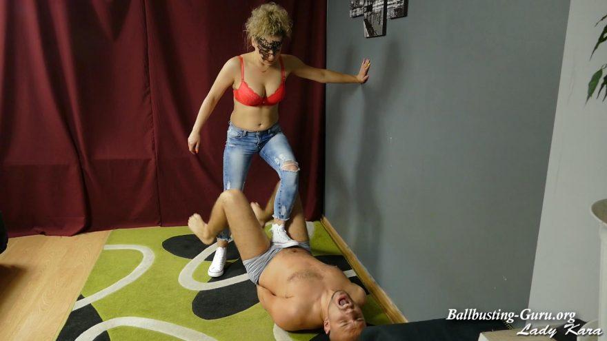 Ballbusting jeans