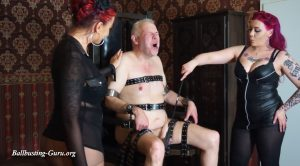 Scratching and Faceslap – Dominique Plastique, Cherie Noir