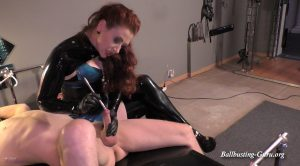 Mistress Lady Renee – Dick hole stretching