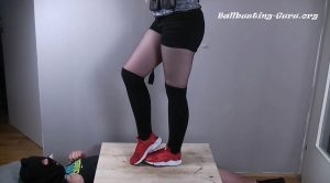 Tsundere Kitten Red Nike Huarache Shoejob And Crop Play – VIIX FETISH VIDEOS