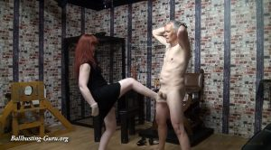 Miss Kitty Bliss – Barefoot Busting