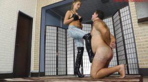 CRUEL MISTRESSES – FULL HD Amanda tortures his whole body