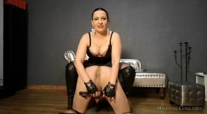 Mistress Luna – Humbler teaches you humble