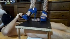 Dea Linda – I cast you worm with my heels – ti castro verme con i miei tacchi