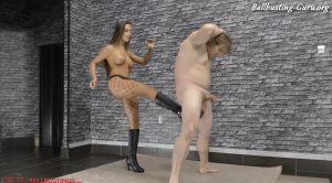 CRUEL MISTRESSES – Mistress Amanda – (FULL HD) Brutally kicked in the balls