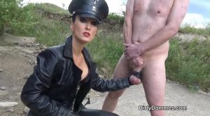 Ballbusting with Military Precision – Fetish Liza – QUEENS OF KINK
