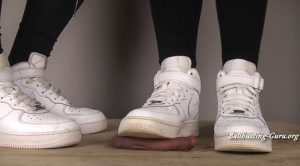 Lucifers Sisters – Nike Air Force Double Shoejob, Spitting